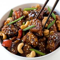 Super Easy 20 Minute Cashew Chicken. A quick and easy meal for busy weeknights!