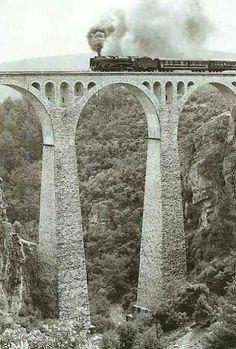 Adanada varda köprüsü