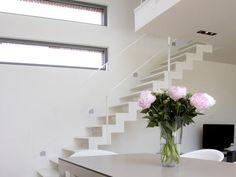 Trap In Woonkamer : Gemaakte houten trappen door droomtrappen