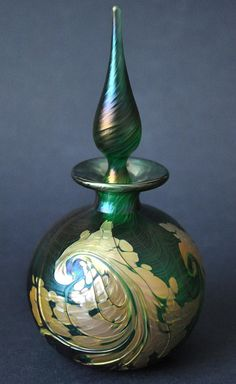 Richard Golding Station Green and Gold Glass Perfume http://www.bwthornton.co.uk/isle-of-wight-richard-golding-bath-aqua-glass.php