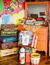 check out these fun vintage finds...great ideas & inspiration.   post your own favorite find.   myfavoritefind.com   just fun!