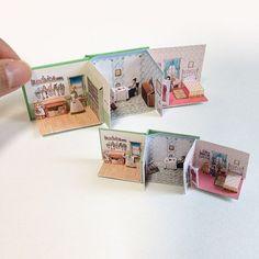 ミニチュア しかけ絵本。1/12サイズと、少し大きめのドールサイズ。 やっと完成しました! #ミニチュア #ドールハウス #ペーパークラフト #しかけ絵本 #ハンドメイド #ミニチュアしかけ絵本 #豆本 #miniature #dollhouse #popupbook #handmade #papercraft ヤフオクに出品しています。 プロフィールのアドレスをクリックするか、「ミニチュア しかけ絵本」で検索してみてください。※終了しました