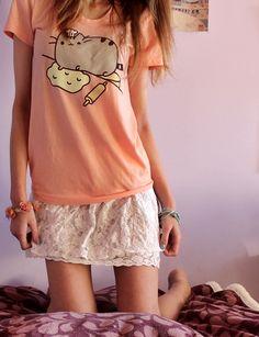 Pusheen shirt <3