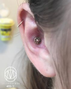 "Jesus Cabanas, Aka ""Sala"" on Instagram: ""Upgraded conch with a beautiful 14k gold top from our friend @kiwi.jewelry #conch #conchpiercing #piercing #appmember #safepiercing…"" • Instagram"