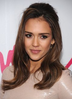 Lots of volume and a soft brown shadow like Jessica Alba's makes for a sexy and sweet hair and makeup look.