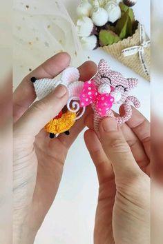 Crochet Doll Tutorial, Crochet Keychain Pattern, Crochet Bookmarks, Crochet Amigurumi Free Patterns, Crochet Animal Patterns, Crochet Tutorials, Crochet Brooch, Crochet Decoration, Crochet Teddy