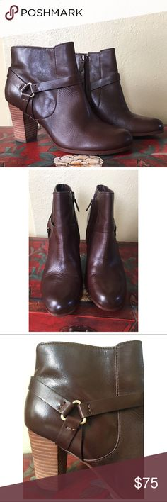 """COLE HAAN ANKLE BOOTS EXCELLENT condition. Cole Haan leather ankle boots in a chocolate brown color. Side zip closure. The only wear is to the back right heel (SEE PICTURES) and of course the very minimal wear to the soles.  HEEL HEIGHT 3.25"""" Cole Haan Shoes Ankle Boots & Booties"""