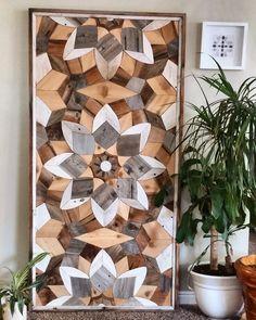 Grandes hechos a mano arte geométrica pared madera reciclada, la cabecera o la tapa de tabla Esta pieza de arte de pared grande haría una declaración en cualquier hogar. Podría usarse como un cabezal o mesa. Arte de la pared es 100% hecho a mano. Uso de materiales todo recuperados.