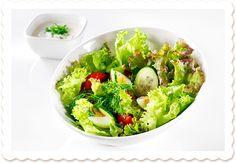 Mummon salaatti | Oksasen Puutarha Avocado Toast, Guacamole, Mexican, Salad, Breakfast, Ethnic Recipes, Ideas, Food, Morning Coffee