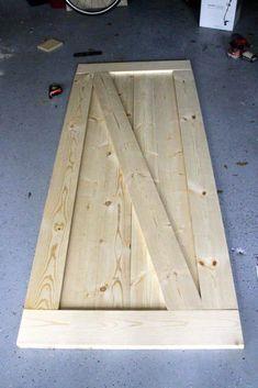 Easiest & Cheapest Way to Build a Rustic Barn Door - FREE PDF Plans How to Build a Rustic Barn Door - Charleston Craftedluxus-interieur-design-und-moderne-gestaltung-flur-mit-holzboden,-wandfarbe-grau-und-holztüren Interior Sliding Barn Doors, Sliding Barn Door Hardware, Sliding Doors, Front Doors, Entry Doors, Rustic Interior Doors, Oak Doors, Exterior Doors, Sliding Wall