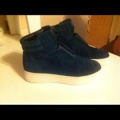 A7EIJE platform sneak Dark green suede new platt so cute and comfy A7EIJE Shoes Sneakers