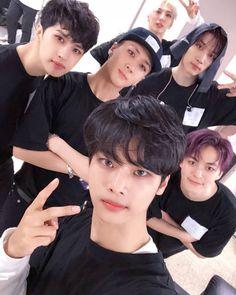 Taek me to the paradise of VIXX: Foto K Pop, Dance Kpop, Ken Vixx, Vixx Members, Ravi Vixx, Jung Taekwoon, Drama, Jellyfish Entertainment, Fantasy