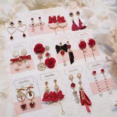 New jewerly unique bling ideas Jewelry Design Earrings, Ear Jewelry, Cute Earrings, Pandora Jewelry, Cute Jewelry, Jewelry Accessories, Fashion Accessories, Fashion Jewelry, Kawaii Accessories