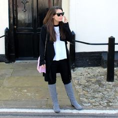 Our blogger Styla Petite wearing our Mollie Bag