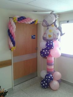 Hermosa bienvenida!!! Balloon Columns, Balloon Arch, Balloon Ideas, Balloon Decorations, Balloon Arrangements, Baby Shower Balloons, Christening, Christmas Ideas, Arts And Crafts