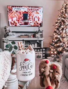- Christmas Wonderland ☃️ - He who has not Christmas in his heart will not find it under a tree 🎄 . Christmas is in 32 days ☃️ ____________. Cosy Christmas, Christmas Feeling, Days Until Christmas, Christmas Wonderland, Merry Little Christmas, Christmas Time, Xmas, Christmas Things, Cute Christmas Ideas