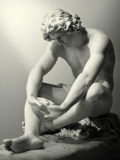 scaryvoltaire:  Art History Meme| 1/8 Sculptures/Other Media  Le Désespoir byJean-Joseph Perraud 1869, Musée d'Orsay