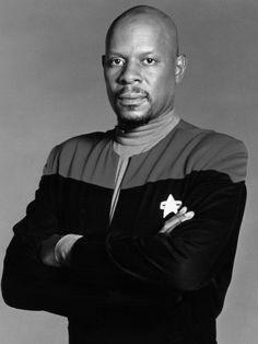 Sisko.  DS9 Avery Brooks, Dragonriders Of Pern, Deep Space 9, Star Trek Captains, Best Series, Tv Series, Star Trek Universe, Sci Fi Fantasy, Science Fiction
