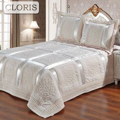 CLORIS Moscow Plaid Blankets Warm Plush Blanket Super Soft Blanket On The Bed Home Plane Travel Throws for Sofa Wedding Gift. Category: Home & Garden. Subcategory: Home Textile. Bedroom Bed Design, Linen Bedroom, Diy Bedroom Decor, Home Decor Furniture, Bedroom Furniture, Bed Cover Design, Designer Bed Sheets, Bed Covers, Luxury Bedding