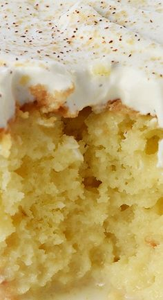 Tres Leches Cake is soaked with 3 types of milk and topped with fresh whipped cream for a moist, sweet decadent dessert that's perfect for Cinco de Mayo! Cuban Desserts, Easy Desserts, Mexican Food Recipes, Delicious Desserts, Dessert Recipes, Yummy Food, Spanish Desserts, Sweets Recipe, Bakery Recipes