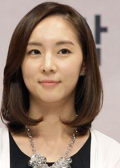 Korean Hairstyles - Sleek Long Blunt