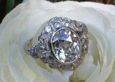 Beautiful antique oval diamond ring