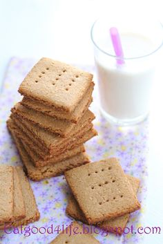 I like that these don't have brown sugar! DIY home made Whole grain graham crackers: Eat Good 4 Life