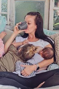 These 35 Tandem Breastfeeding Photos Prove That Moms Are Badass