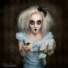 Alice in wonderland zombie