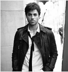 gonna be real with you guys here....i think enrique is just the most beautiful thing on God's green earth. hot dang.