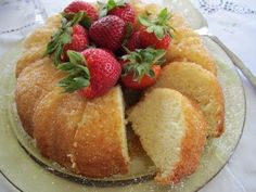 Egg Whites Cake - Light and moist, perfect to serve with fresh fruit and whipped cream