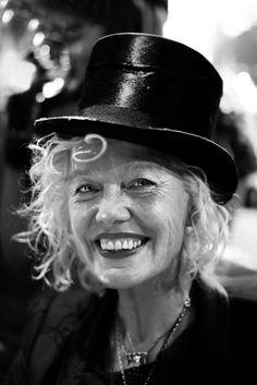 Ellen von Unwert (1954) - German photographer, former model and director, specializing in erotic femininity. Photo © Iannis Pledel Famous Photographers, Portrait Photographers, Portraits, Ellen Von Unwerth, Claudia Schiffer, First Photograph, Vanity Fair, Fashion Models, Erotic
