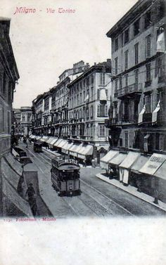 Via Torino - Milano Old Photos, Vintage Photos, Vintage Italian, Architecture Design, Street View, Urban, Black And White, History, Places