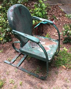 Very pleased to obtain two Gilkison vintage metal lawn chairs. Likely Pre The design is actually poor. The extra piece of spring steel puts pressure on a weak piece of the chair. Vintage Metal Chairs, Metal Lawn Chairs, Deck Chairs, Chair Photography, Vintage Photography, Lawn Furniture, Outdoor Furniture, Tulip Chair, Spring Steel