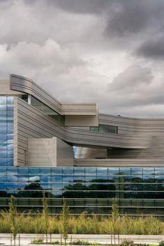 Wayne L. Morse US Courthouse Photo | Morphopedia | Morphosis Architects