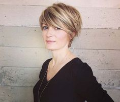 Best way to sport pixie cut without loosing all the length is called long pixie haircut! So we have collected Chic Long Pixie Haircut Pictures for you to g Long Pixie Cuts, Short Hair Cuts, Short Hair Styles, Long Asymmetrical Pixie, Long Pixie Bob, Long Bob, Long Pixie Hairstyles, Short Pixie Haircuts, Hairstyles 2016
