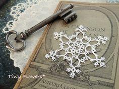 雪の結晶 いつつめ ・・・そして  Tiny Flowers* にゃんことてしごと ~猫とタティングレース~