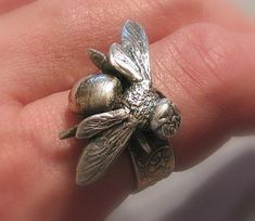 Items similar to DEPOSIT for a custom order ring for MONTYRUE - Bijou - silver bumble bee ring on Etsy Bee Jewelry, Insect Jewelry, Bee Ring, I Love Bees, Bee Art, Looks Vintage, Vintage Bee, Save The Bees, Bees Knees