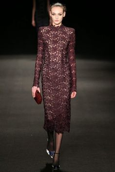 Monique Lhuillier Inverno 2015 - Mercedes-Benz Fashion Week    por Shely Alencar   Shely Bianchi       - http://modatrade.com.br/monique-lhuillier-inverno-2015-mercedes-benz-fashion-week