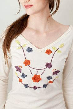 DIY Alabama Chanin Embroidered Tee (includes free design download)