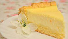 Vanilla sour cream cake from shortcake dough Russian Desserts, Russian Recipes, Flan, Cheesecake, Sour Cream Cake, Biscuit Cake, Sweet Pastries, Sweet Pie, Panna Cotta