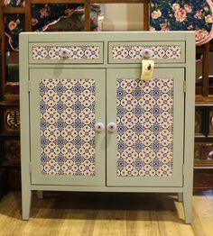 Cómoda 2 gavetas e 2 portas Azulejo Azul 82 x 35 x 92 cm | A Loja do Gato Preto | #alojadogatopreto | #shoponline | referência 102365024