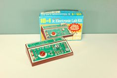 Radio Shack Science Fair Juniors Electronic Lab Kit Educational Game Digital Logic Experiment Vintage