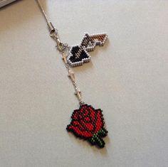 薔薇とピストルのストラップ|Craft Cafe(クラフトカフェ)