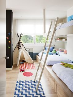 Dormitorio infantil : Chambre d'enfant minimaliste par A! Baby Bedroom, Girls Bedroom, Childrens Bedroom, Bedroom Curtains, Scandinavian Kids Rooms, Shared Rooms, Kids Room Design, Trendy Bedroom, Kid Beds