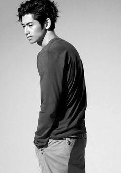 瑛太 Eita - Japanese actor