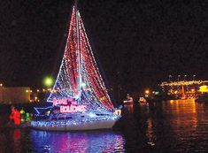 Join over a million viewers as you watch beautifully decorated boats, yachts, kayaks, and canoes sail along the harbor in the Annual Newport Beach Christmas Boat Parade. Tropical Christmas, Beach Christmas, Outdoor Christmas, Christmas Lights, Christmas Holidays, Boat Lights, Night Lights, Large Holiday Homes, Christmas In America