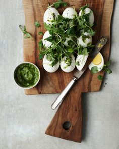 hard boiled eggs with arugula, pesto and salt & pepper #appetizers