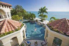 private island estate in Turks / swimming pool