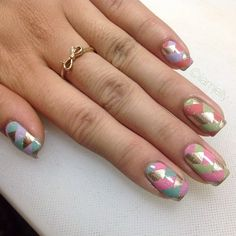 I'm digging the braided nail art